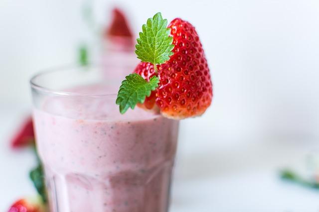 https://www.ihcginjections.com/wp-content/uploads/2016/07/strawberry-yogurt-smoothie.jpg